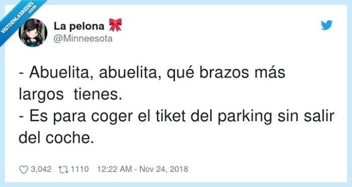 abuelita,brazos largos,coger,parking