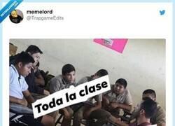 Enlace a Así las clases pasan más rápido, por @TrapgameEdits