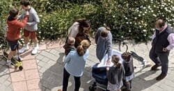 Enlace a La gente es retrasada, y se demuestra viendo estas 4 fotos de ciudades españolas el día que dejan salir niños a la calle, por @Sempre_Cules