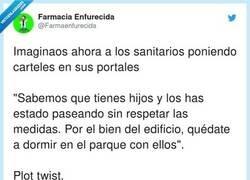 Enlace a Plot twist, por @Farmaenfurecida