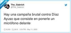 Enlace a A Díaz Ayuso le ponen un micrófono delante, pero lo que no le ponen son periodistas, por @The_Gabrich