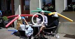Enlace a Un restaurante de Schwerin (Alemania) ofrece sombreros especiales de