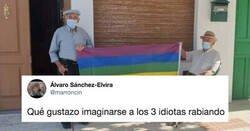 Enlace a El ayuntamiento de Villanueva de Algaidas tiene que retirar la bandera LGTBI de su balcón ante la denuncia de varios vecinos, y el resto del pueblo la lía así de bien, por @FelixIzq94_