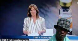 Enlace a Al telenoticias se les cuela una foto del negro del Whatsapp en directo, por @NoSoyLaGente