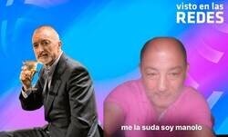Enlace a Arturo Pérez-Reverte dice que las mujeres no deberían utilizar la expresión