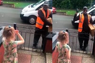 626633 - Esta niña aprende lengua de signos para poder darle las gracias al repartidor que ha conocido durante la cuarentena