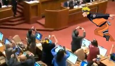 631487 - Así es la nueva política: un diputada celebra que gana una votación corriendo como Naruto en pleno Congreso