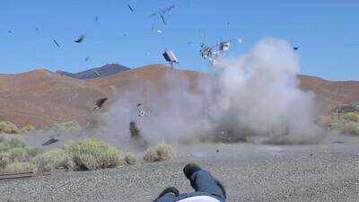 636806 - Un youtuber lanza una granada dentro de un cajero automático y lo puede contar por poco