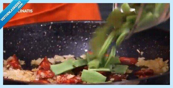 652999 - Karlos Arguiñano indigna a medio Twitter por los ingredientes que le pone a la paella: