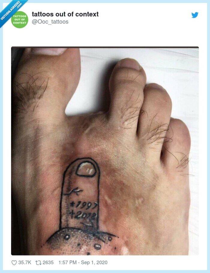 innecesario,pie,random,tatuaje