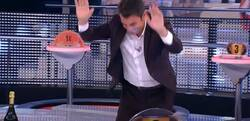Enlace a La anécdota de un concursante de 'Ahora Caigo' que ha pillado totalmente a contrapié a Arturo Valls: ha acabado arrodillado reconociendo la derrota
