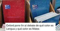 Enlace a Los nuevos cuadernos de Oxford desatan una guerra en las redes por los colores que han asignado a las asignaturas, por @memeli95