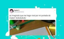 Enlace a Esta chica se ha pasado Twitter con una portada del cuaderno de matemáticas que se ha hecho viral por diferentes motivos: más de 50.000 'likes' y subiendo, por @luciaacjimeenez