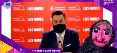 696472 - Pillan al concejal de innovación del Ayuntamiento de Valencia haciendo playback para disimular que no sabe inglés (y el tío lo clava)