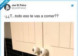Enlace a La cara que se le queda a mi cocina cuando receno pero segunda vez, por @JoeDiFalco2