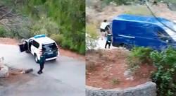 Enlace a La brutal emboscada policial en Alicante que parece de película: disparos, agentes por el suelo, una fuga y los vecinos flipando