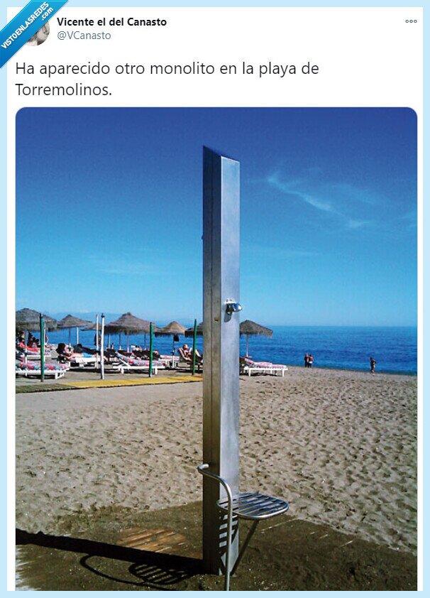 monolito,playa,torremolinos