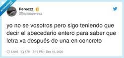 Enlace a Los exámenes de latín con el diccionario un cachondeo, por @luciiaapereez