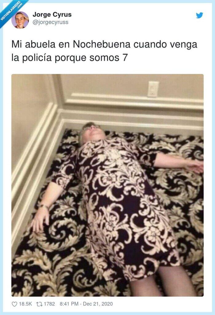 abuela,camuflaje,nochebuena,policía