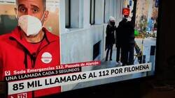 Enlace a Va andando por la calle y se mete la hostia de su vida en directo por televisión, por @Lito_Santana