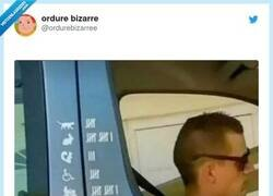 Enlace a Peligro al volante, por @ordurebizarree