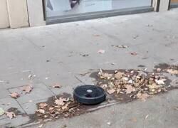 Enlace a Ojo a lo que se ha encontrado por el suelo de la calle un vecino de Barcelona, por @OriolCanosa