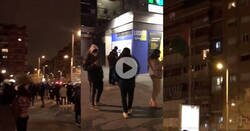 Enlace a La gente sale a la calle durante el terremoto de Granada, y este tío sale al balcón a grito pelado pidiendo el final