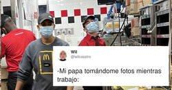 Enlace a Su padre va al McDonald's donde trabaja y tras hacerles estas fotos le envía este mensaje, por @wilcasstro