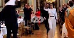 Enlace a Los ricos casándose por todo lo alto en el Casino de Madrid mientras a la gente normal nos encierran como a los pobres del Titanic, por @CoronaVid19