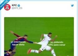 Enlace a KFC lo vuelve a hacer, por @KFC_ES