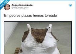 Enlace a Y tanto, por @asqueroso_puto