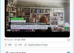 Enlace a Sólo los más observadores se han dado cuenta: lo que Esperanza Aguirre tiene junto a la tele de su casa