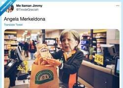 Enlace a Personajes famosos como cajeros de supermercados, leche, por @TirodeGraciah