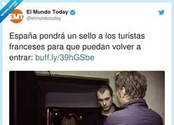 Enlace a Como en las discotecas, por @elmundotoday