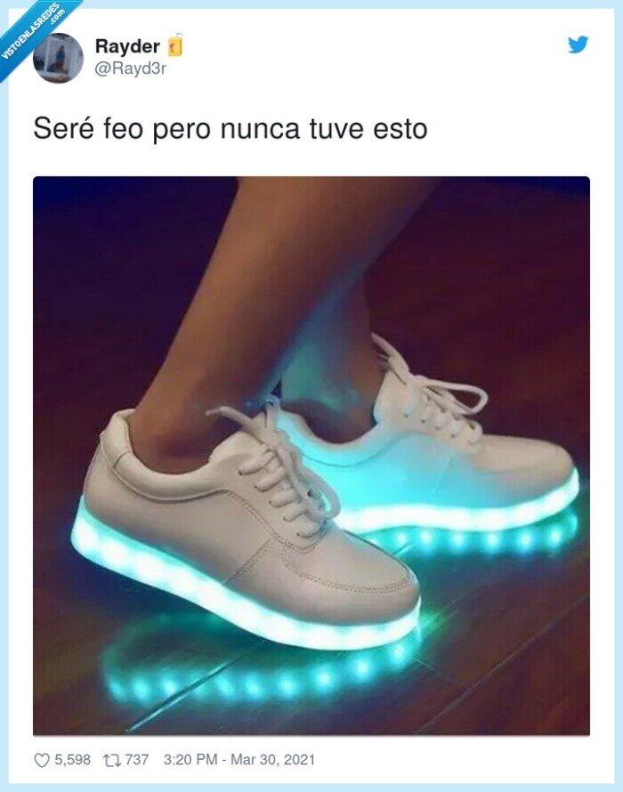 feo,luces,zapatillas