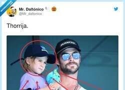 Enlace a ¿Creo que es Thora-hijo?, por @Mr_daltonico
