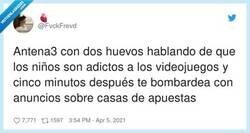 Enlace a Viva el doble rasero, por @FvckFrevd