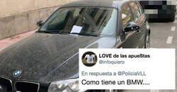 Enlace a Este coche aparca como el ojete en zona de carga y descarga y se lleva una de karma instantáneo, por @PoliciaVLL