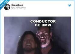 Enlace a Siempre pegados al culo, por @El_Grouchico