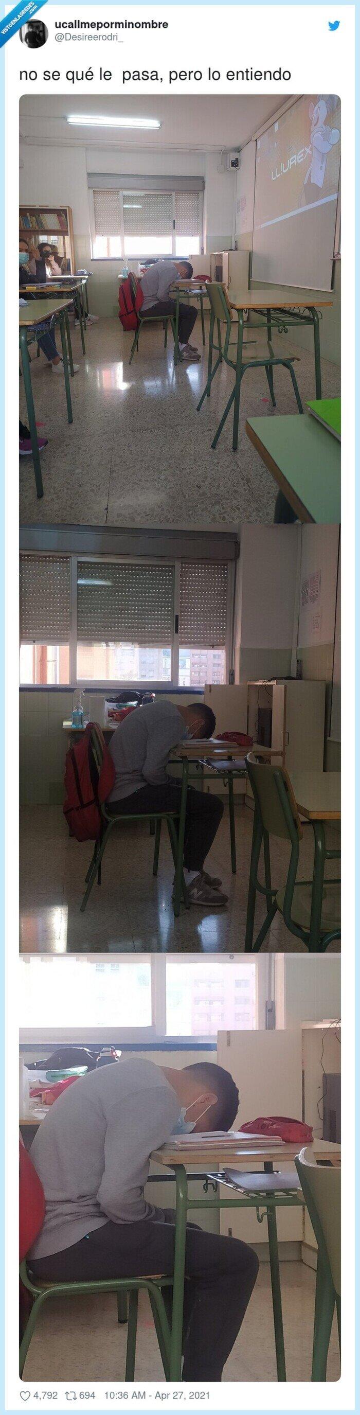 clase,dormido,pupitre
