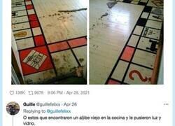 Enlace a Historias de gente que encuentran cosas extrañas en sus casas, como por ejemplo un monopoly, por @guillefelixx
