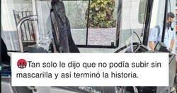 Enlace a El mundo está loco: Un autobusero prohíbe subir al bus a un hombre sin mascarilla y le destroza el autobús, por @GuaguasLPA