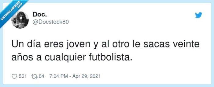 futbolista,joven,sacar,veinte años