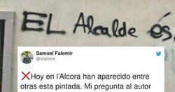 Enlace a El alcalde de este pueblo responde con arte a una pintada insultándolo, por @sfaIomir