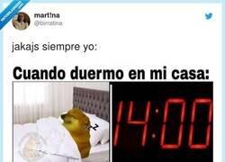 Enlace a Y te quedas horas despierto en la cama, por @birratina
