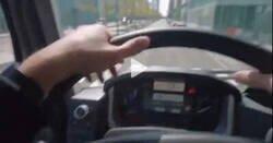 Enlace a El vídeo que muestra todos los ángulos muertos de los camiones, da mucha cosa de verlo, por @kurioso