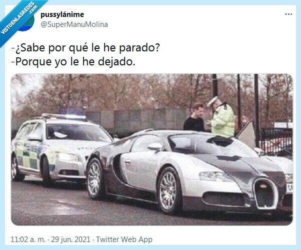 agente,bugatti,parado,policía