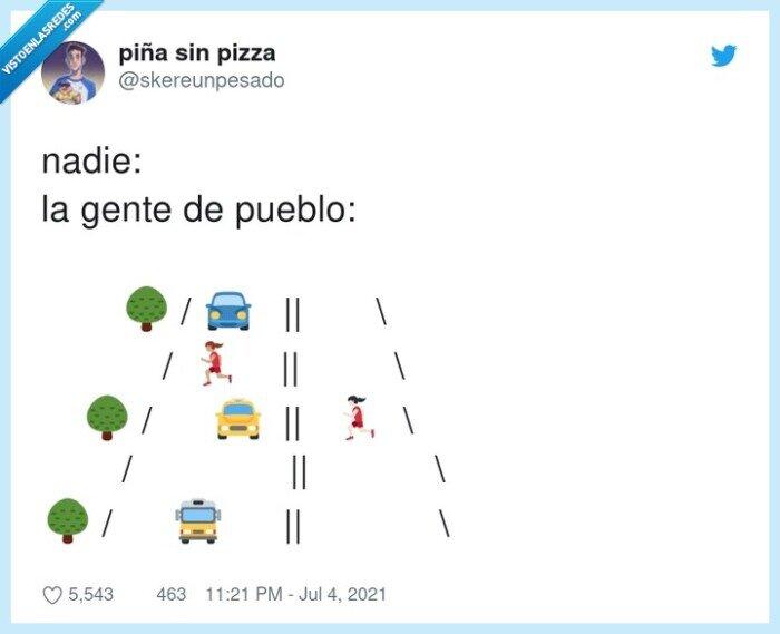 carretera,coches,cruzar,pueblo