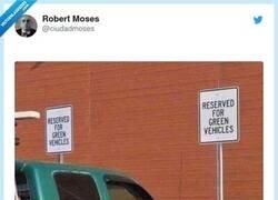Enlace a Creo que vehículos verdes no se refiere a eso, por @ciudadmoses