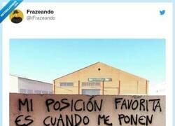 Enlace a Y arriba, por @iFrazeando